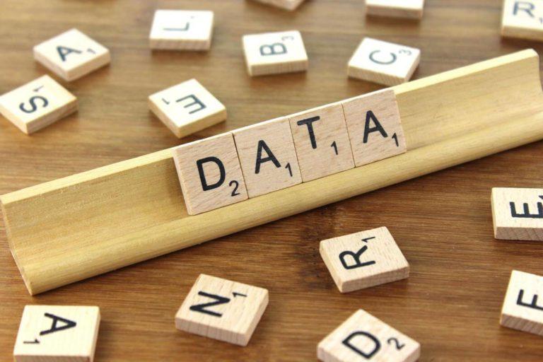 "man writing in a board of ""data warehouse"""